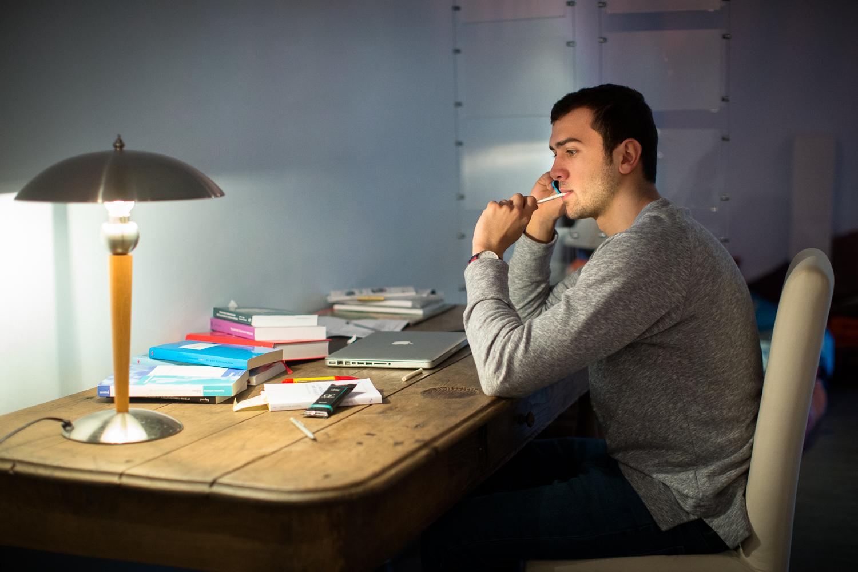 cij jeune bureau inhale cij 39 bouff es de plaisir. Black Bedroom Furniture Sets. Home Design Ideas